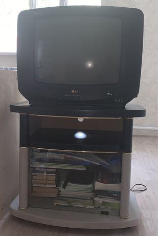 продам телевизор с подставкой