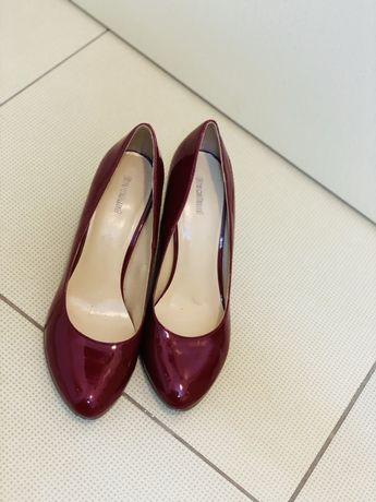 Pantofi lac rosii , visinii , marimea 37