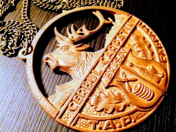 Cerbul Carpatin , medalion cu lantisor , 1965.