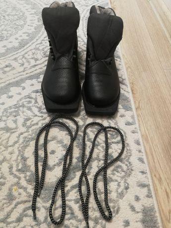 Ботинки для лыж, состояние новое