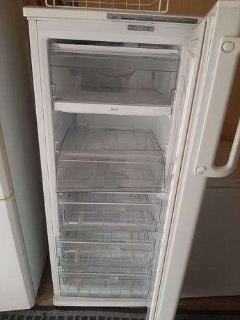Продаю в морозильную камеру Атлант