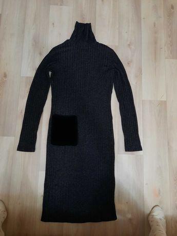 Отдам теплое платье-водолазка 42-44 р