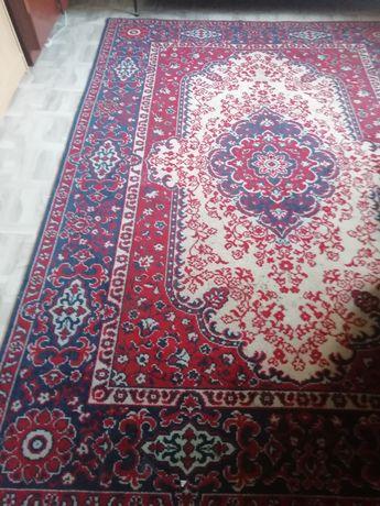 Продаётся красивый ковёр
