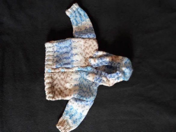 Плетени жилетки за новородено
