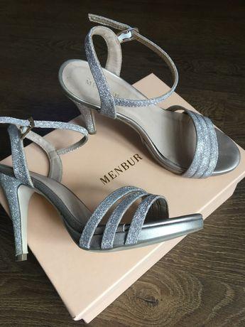 Удобни и класни сандали