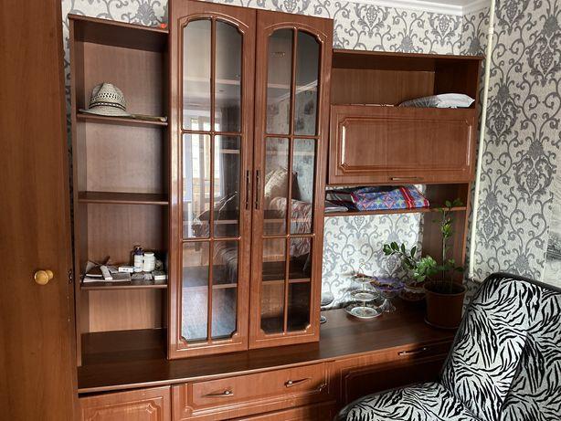 Горка мебель для гостиной срочно