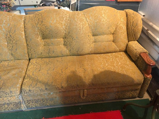 Продается угольный диван