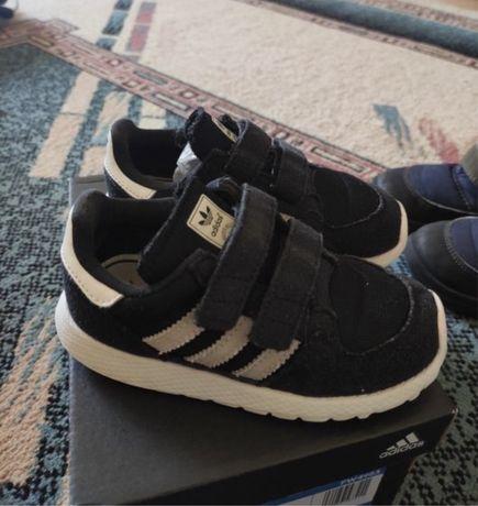 Детские кроссовки Adidas и Puma, оригинал, в идеальном состоянии