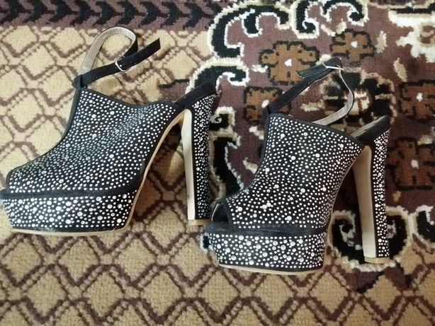 Новые красивые туфельки