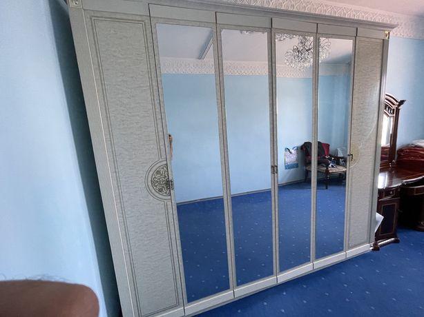 Мебель для спальни, шкаф