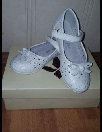 Туфли девочковые