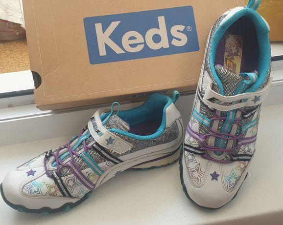 Продаю кроссовки детские Skechers 35 р