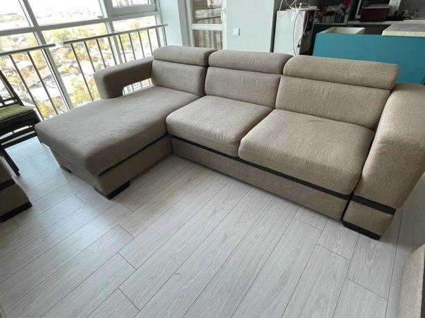 Комплект мягкой мебели (два дивана и кресло)