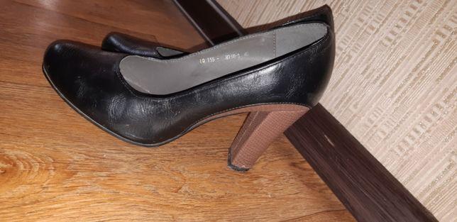 Продам кожаный туфля