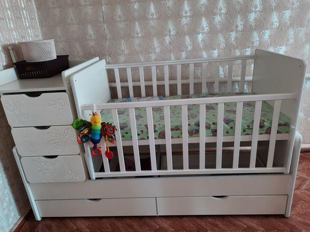 Продам детскую кроватку трансформер в идеальном состоянии с матрацем
