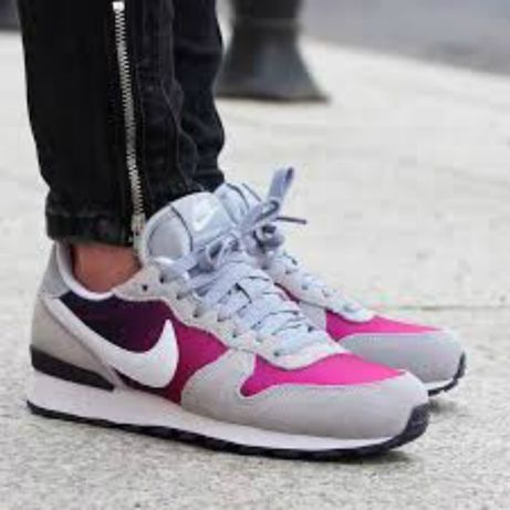 НОВО *** Оригинални Nike Internationalist Wolf Grey/White/Purple