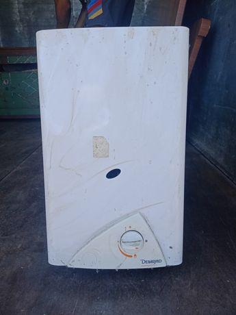 Продам водонагреватель газовый
