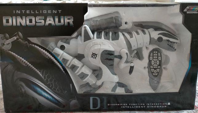 Игрушечный робот-динозавр