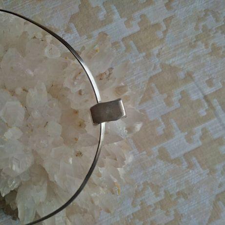 Inel masiv de argint, forma patrata