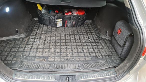 Стелка багажник тойота авенсис