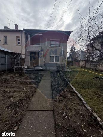 Apartament de inchiriat la casa , zona Sud