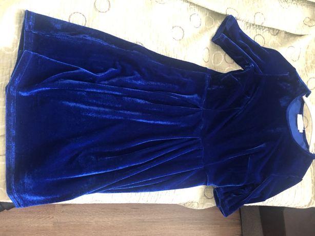 Велюровое темно- синее платье размер S