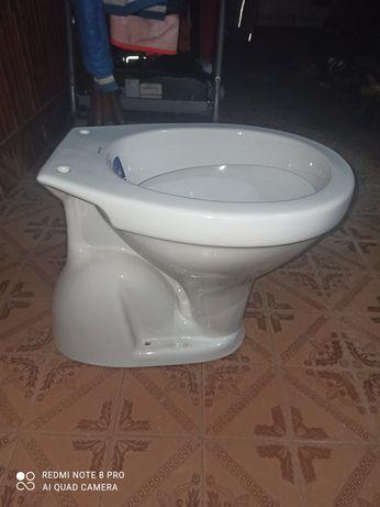Vas toaletă nou, nefolosit