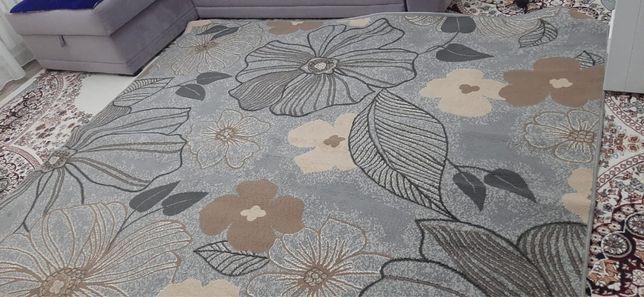 Продаю ковры и линолеум! Цены в описании