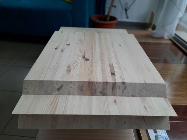 Blat din lemn masiv de pin pentru spatii de lucru sau mese.