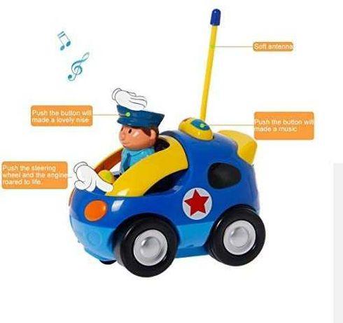 Полицейската кола с дистанционно и звукови ефекти