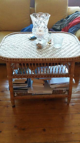 Ратанова маса 2 ратанови стола за градина. Лично предаване
