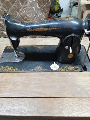 Раритетная швейная машинка ПМЗ