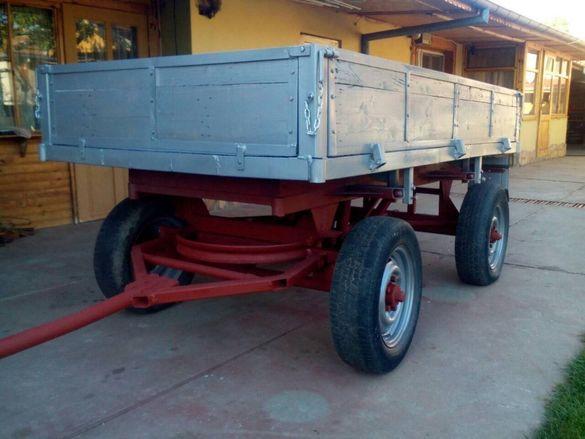 ремарке за трактор