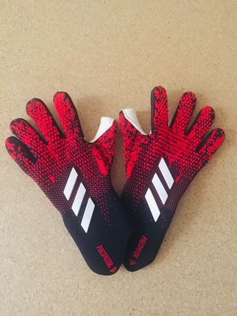 Вратарские перчатки Predator Adidas!