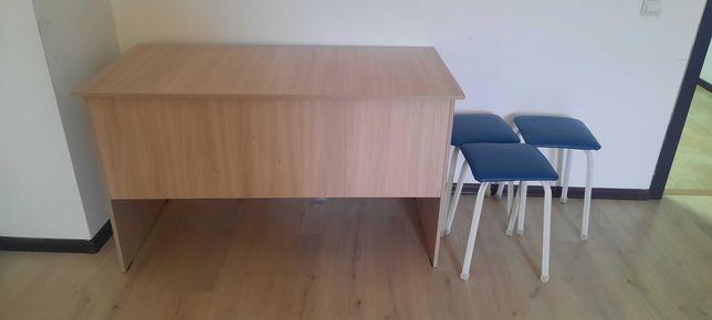 Продается стол парта