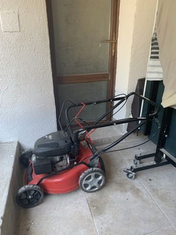 masina de tuns gazonul , iarba hecht , autopropulsie