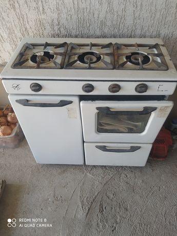 газовая плита  3 комфорочная