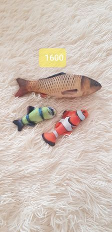 Игрушки для кошек в форме рыбок