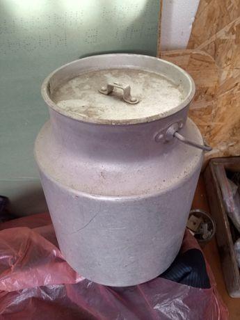 Продам бидон аллюминиевый 8литров