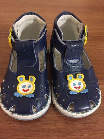 Продам НОВЫЕ ортопедические сандалики ТАШИ ОРТО