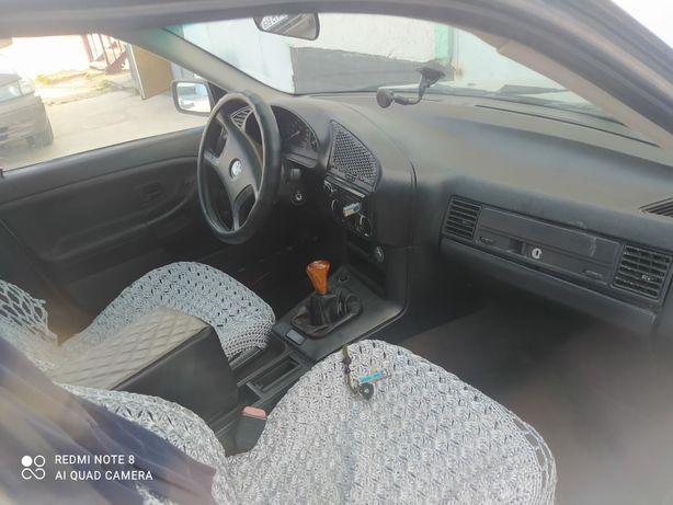Продам машину БМВ 3