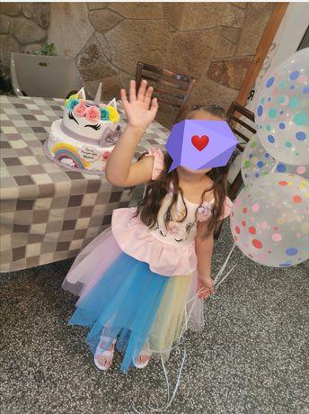 Детска роклята