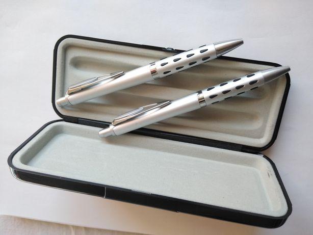 Trusa, set, pixuri si creion mecanic