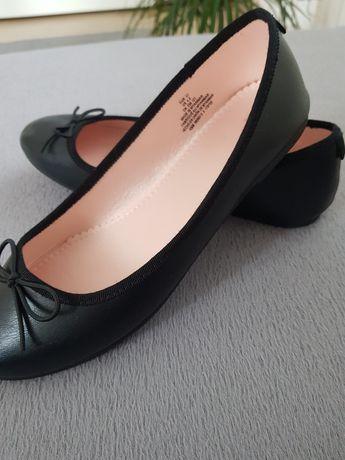 Дамски обувки от Н&М