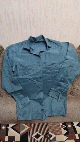 Рубашки зелёные новые 35,37р и б/у 37р