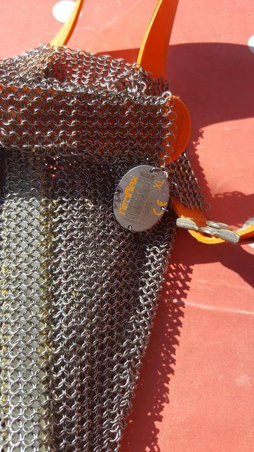 Doua sorturi de zale metalice pentru măcelari