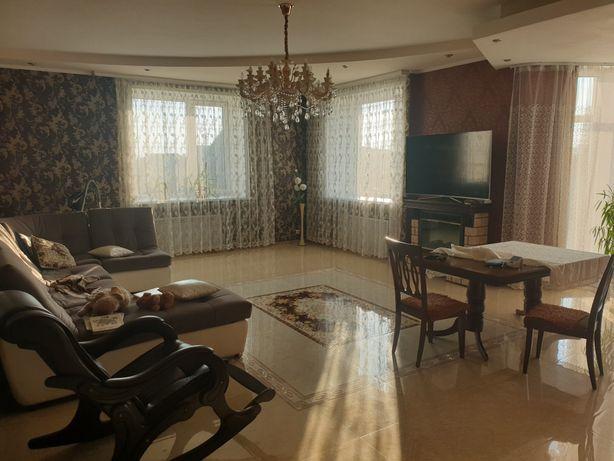 Продам дом на Жумабаева с центральным отоплентем