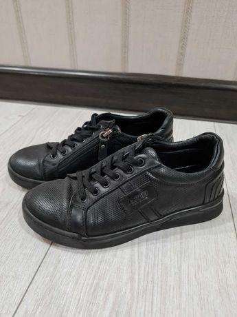 Продам обувь для мальчика. Размер 33. Турция
