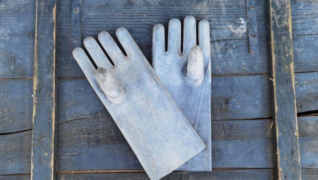 Mănuși cauciuc nefolosite