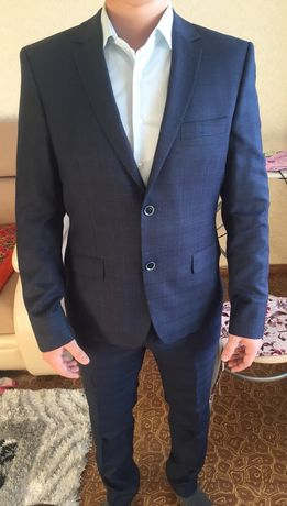Продам костюм в идеальном состоянии